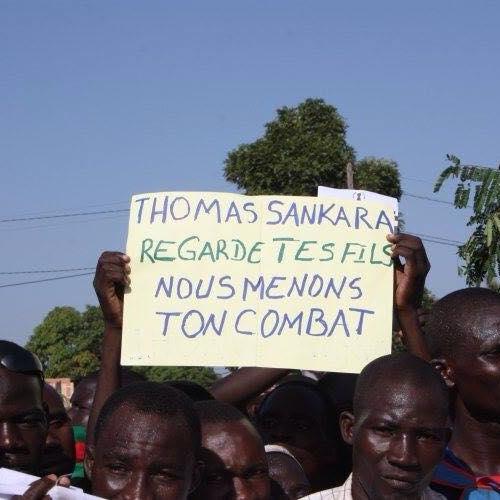 Pancarte Thomas Sankara regarde tes fils